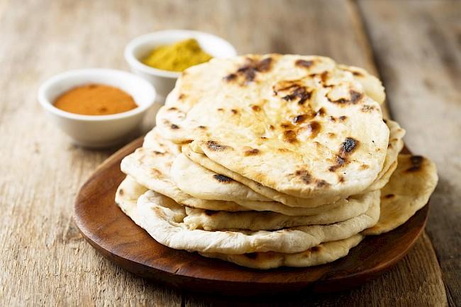 Chlebek Naan - kalorie, kcal, ile waży