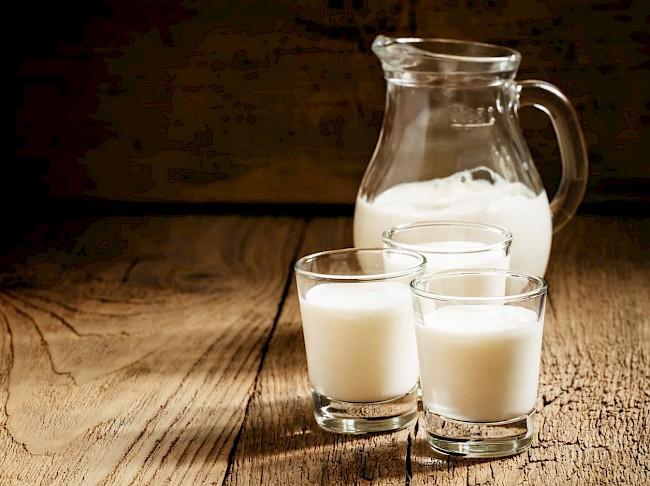 Mleko 0.5% - kalorie, kcal, ile waży