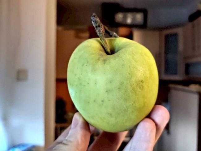 Jabłko - kalorie, kcal, ile waży