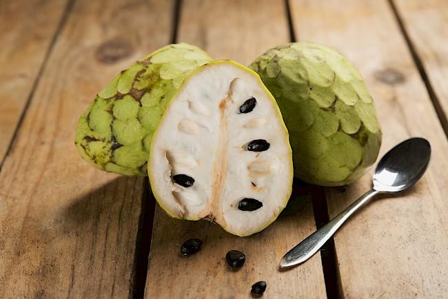 Czerymoja (Flaszowiec peruwiański) - kalorie, kcal, ile waży