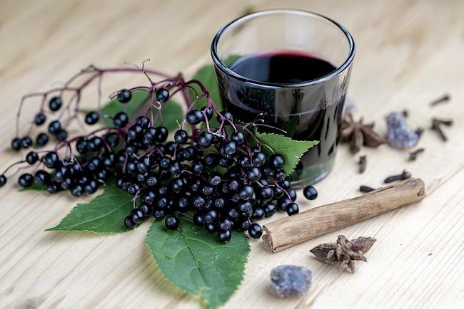 Czarny bez (owoce, kwiaty) - kalorie, kcal, ile waży