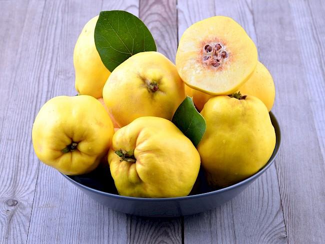 Pigwa (owoce) - kalorie, kcal, ile waży