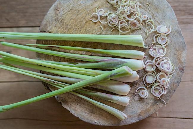 Trawa cytrynowa - kalorie, kcal, ile waży
