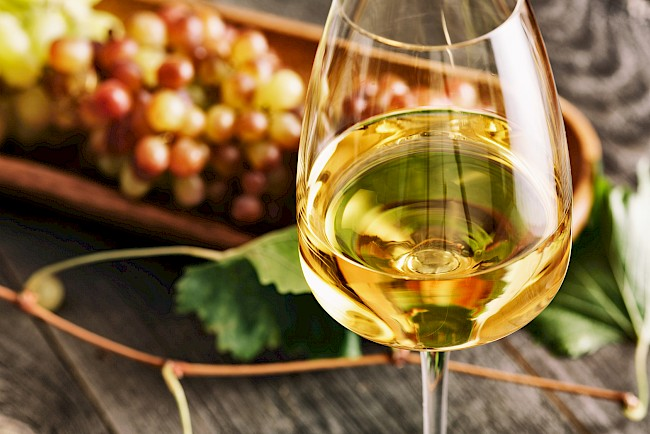 Wino białe - wartości odżywcze, witaminy, minerały