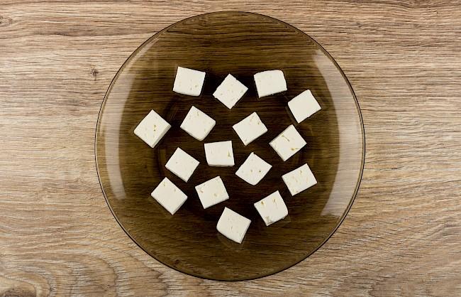 Ser feta - kalorie, kcal, ile waży