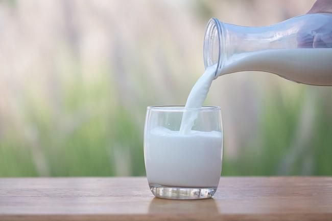 Mleko  - kalorie, kcal, ile waży