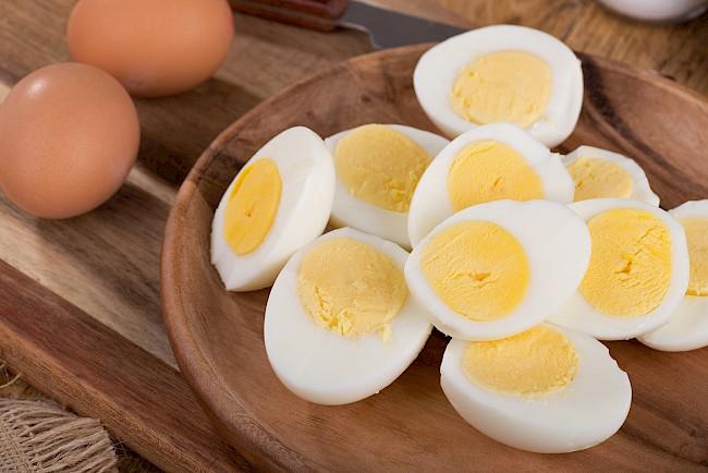 Jajko gotowane (na twardo lub miękko) - kalorie, kcal, ile waży
