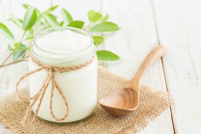 Jogurt naturalny - kalorie, kcal, ile waży