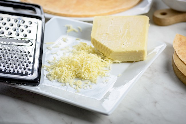 Ser Cheddar - kalorie, kcal, ile waży
