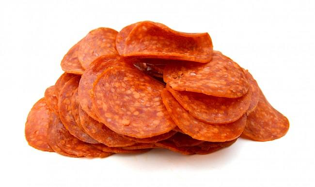 Pepperoni (kiełbasa) - kalorie, kcal, ile waży