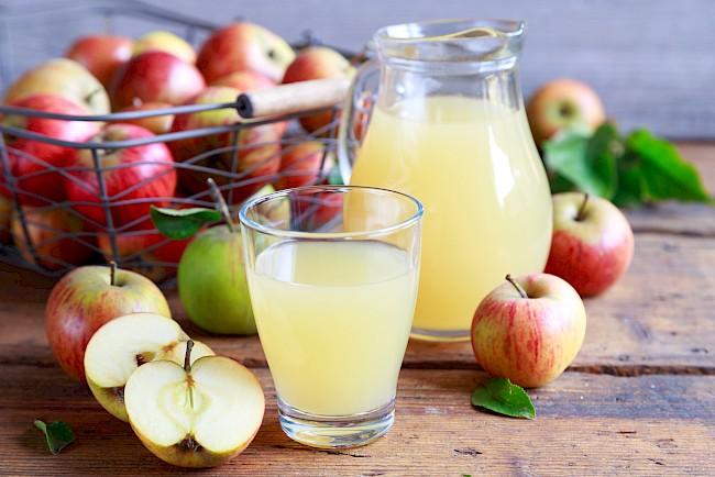 Sok jabłkowy - kalorie, kcal, ile waży