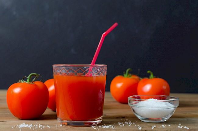 Sok pomidorowy - kalorie, kcal, ile waży