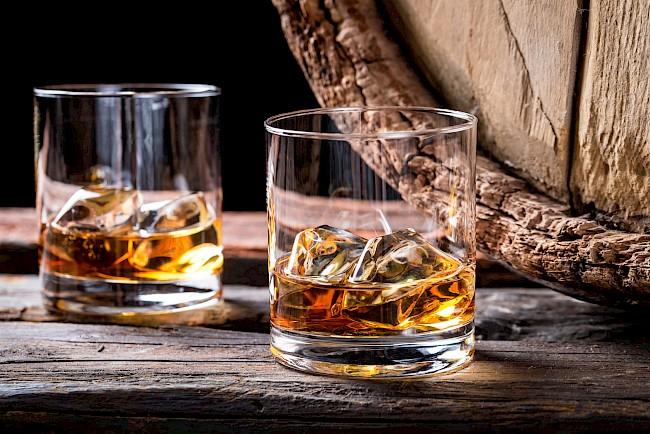 Whisky (whiskey) - kalorie, kcal, ile waży