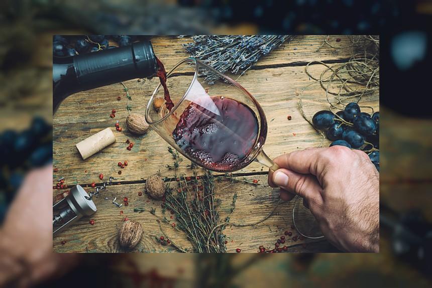 Wino czerwone - kalorie, kcal, ile waży