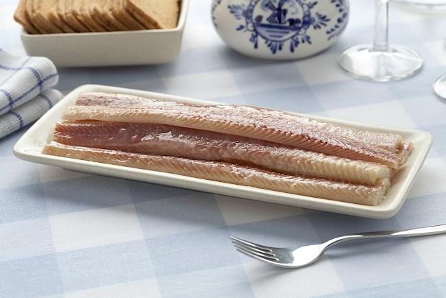 Węgorz (filet, mięso) - kalorie, kcal, ile waży