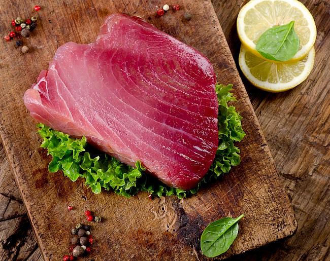 Tuńczyk - kalorie, kcal, ile waży