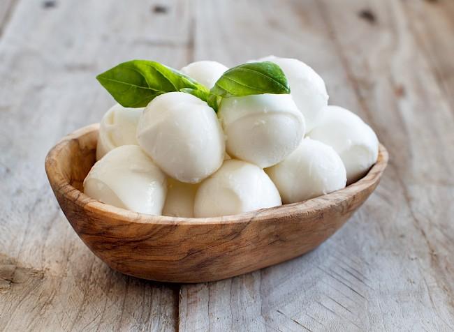Ser Mozzarella - kalorie, kcal, ile waży