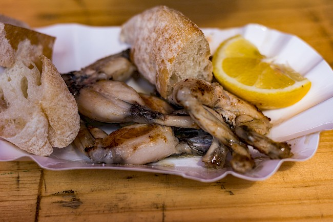 Żabie udka - kalorie, kcal, ile waży