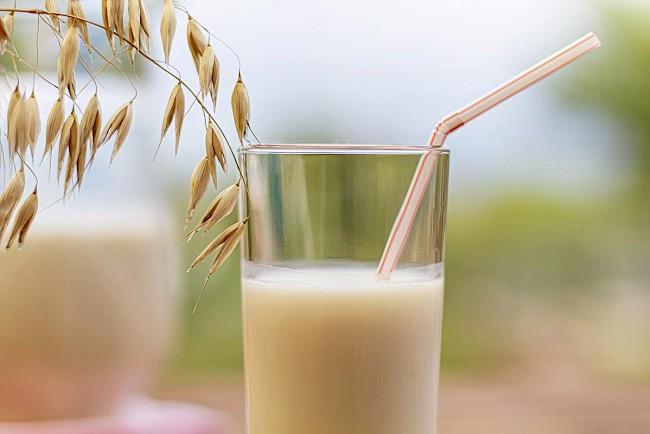 Mleko owsiane - kalorie, kcal, ile waży