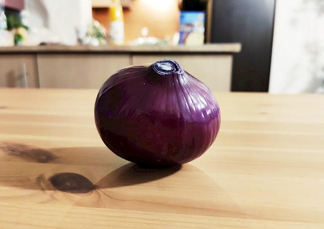 Cebula czerwona - kalorie, kcal, ile waży
