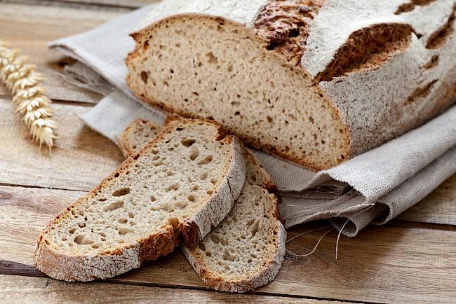 Chleb żytni - kalorie, kcal, ile waży