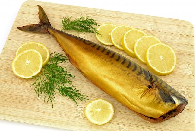 Makrela wędzona - kalorie, kcal, ile waży