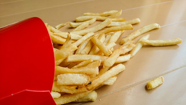 McDonald's, frytki - kalorie, kcal, ile waży