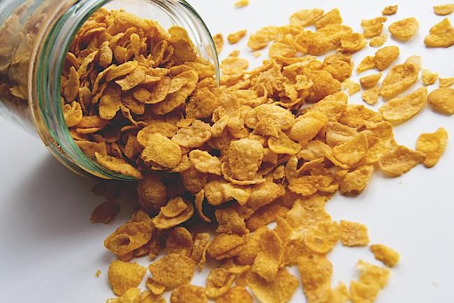 Płatki kukurydziane - kalorie, kcal, ile waży