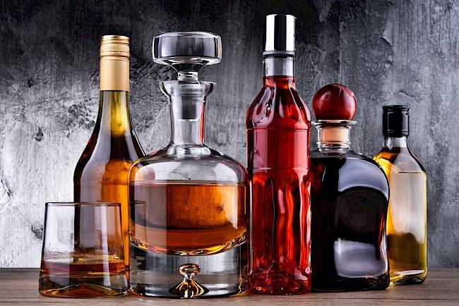 Alkohol - kalorie, kcal, ile waży