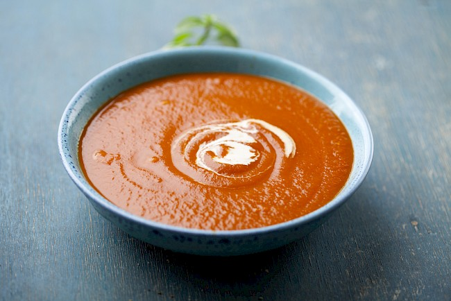 Zupa pomidorowa (bez makaronu, ryżu) - kalorie, kcal, ile waży