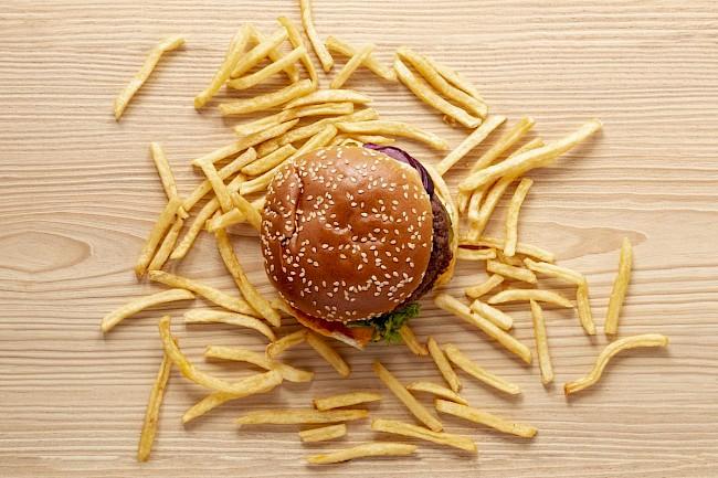 Burger (Burger King) - kalorie, kcal, ile waży