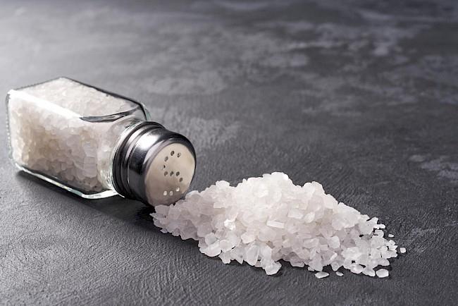 Sól - kalorie, kcal, ile waży
