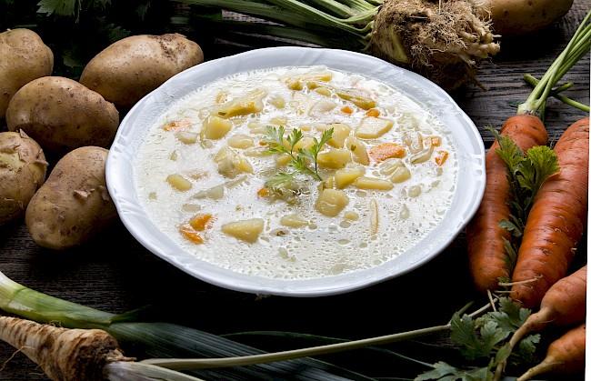 Zupa jarzynowa - kalorie, kcal, ile waży